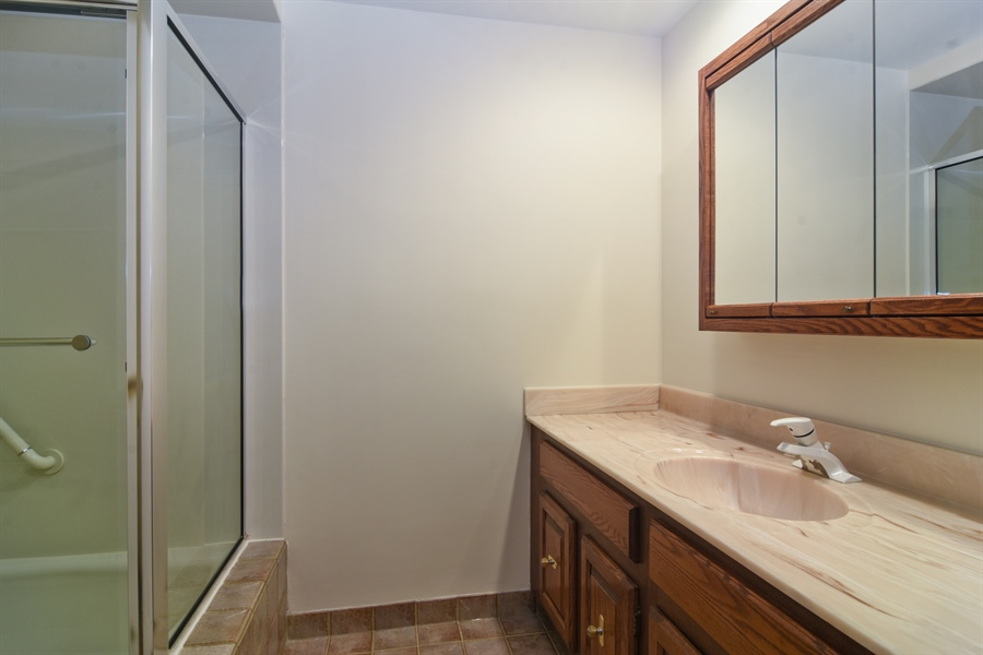 Real Estate Photography - 1060 E.Cooper, Palatine, IL, 60074 - Bathroom