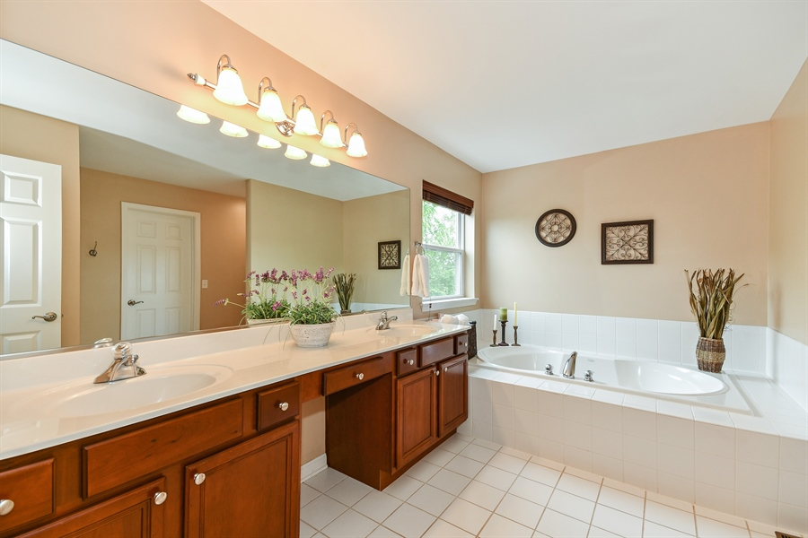 Real Estate Photography - 39W274 E Mallory Dr, Geneva, IL, 60134 - Master Bathroom