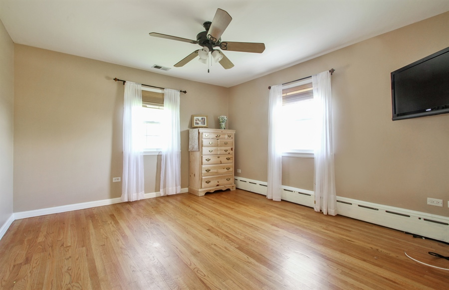 Real Estate Photography - 2750 Landwehr, Northbrook, IL, 60062 - Bedroom