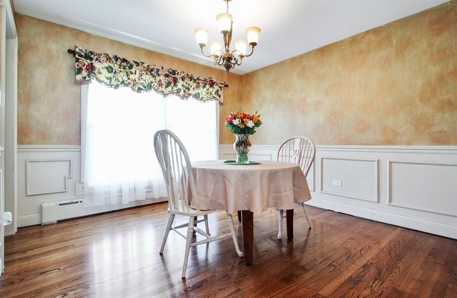 Real Estate Photography - 2750 Landwehr, Northbrook, IL, 60062 - Dining Room