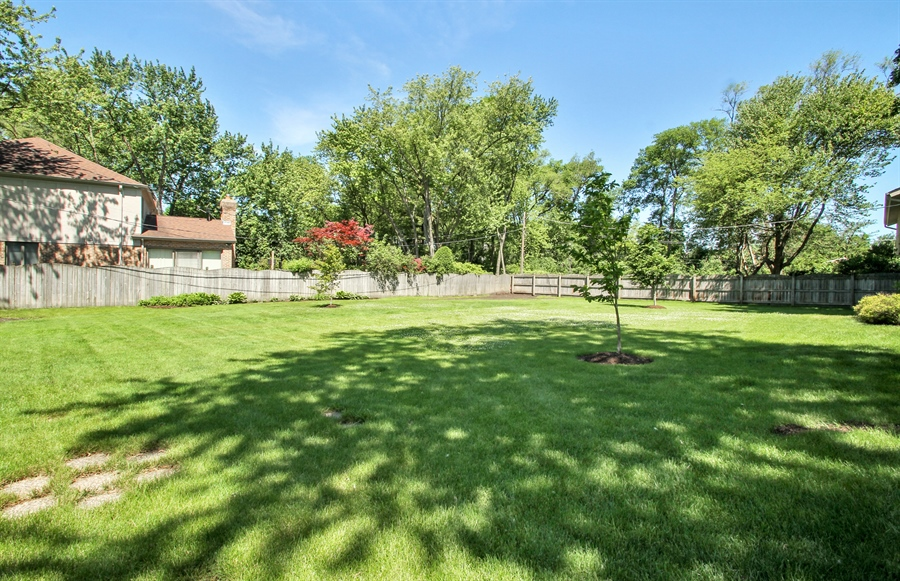 Real Estate Photography - 2750 Landwehr, Northbrook, IL, 60062 - Back Yard