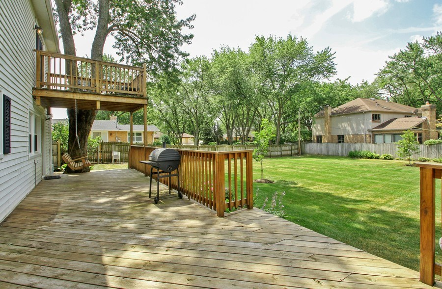Real Estate Photography - 2750 Landwehr, Northbrook, IL, 60062 - Patio