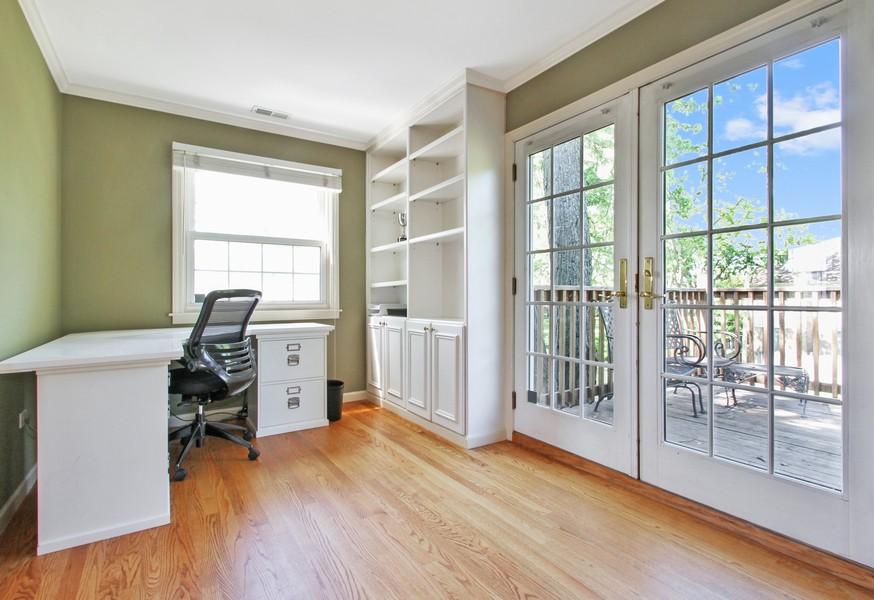 Real Estate Photography - 2750 Landwehr, Northbrook, IL, 60062 - Master Bedroom Sitting Area