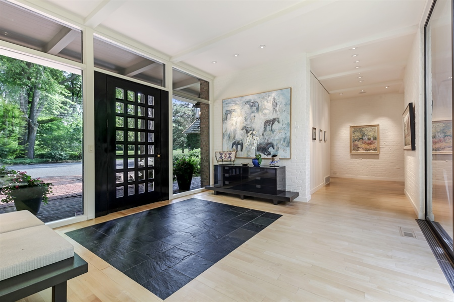 Real Estate Photography - 211 West Westminster, Lake Forest, IL, 60045 - Foyer