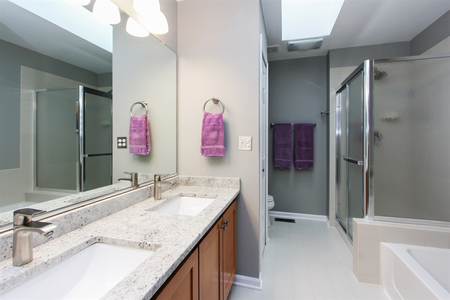 Real Estate Photography - 1191 Rodgers Lane, Lake Zurich, IL, 60047 - 2nd Bathroom