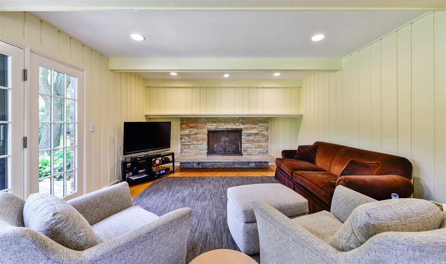 Real Estate Photography - 505 E Atwood Ct., Elmhurst, IL, 60103 - Family Room