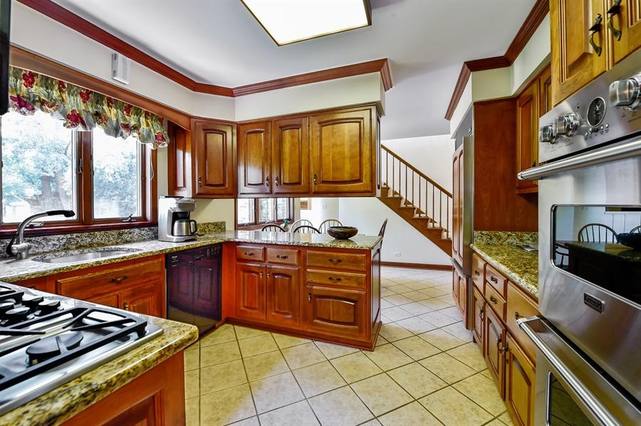 Real Estate Photography - 505 E Atwood Ct., Elmhurst, IL, 60103 - Kitchen