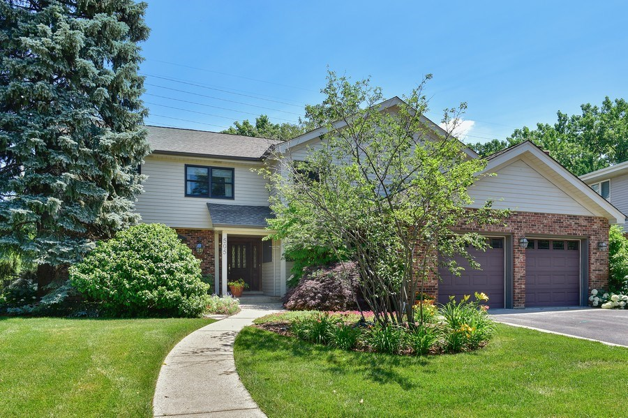 Real Estate Photography - 505 E Atwood Ct., Elmhurst, IL, 60103 - Front View