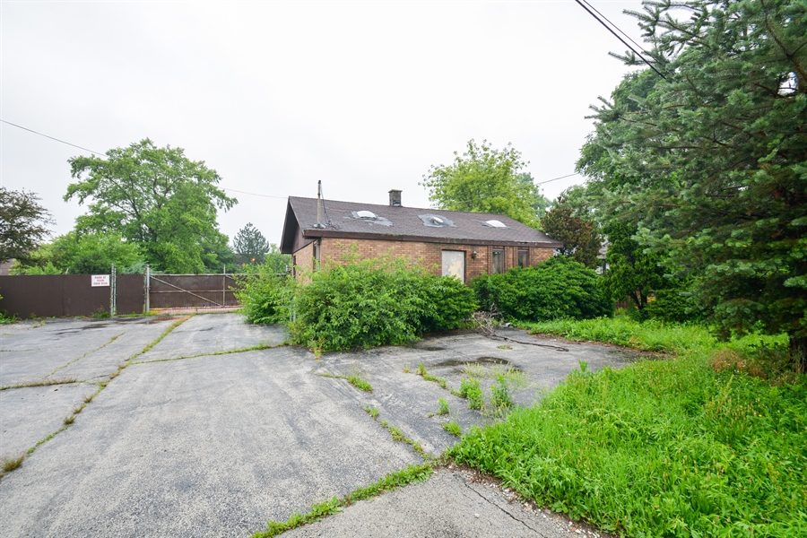 Real Estate Photography - 4424 Midlothian Turnpike, 01, Crestwood, IL, 60418 - Location 3