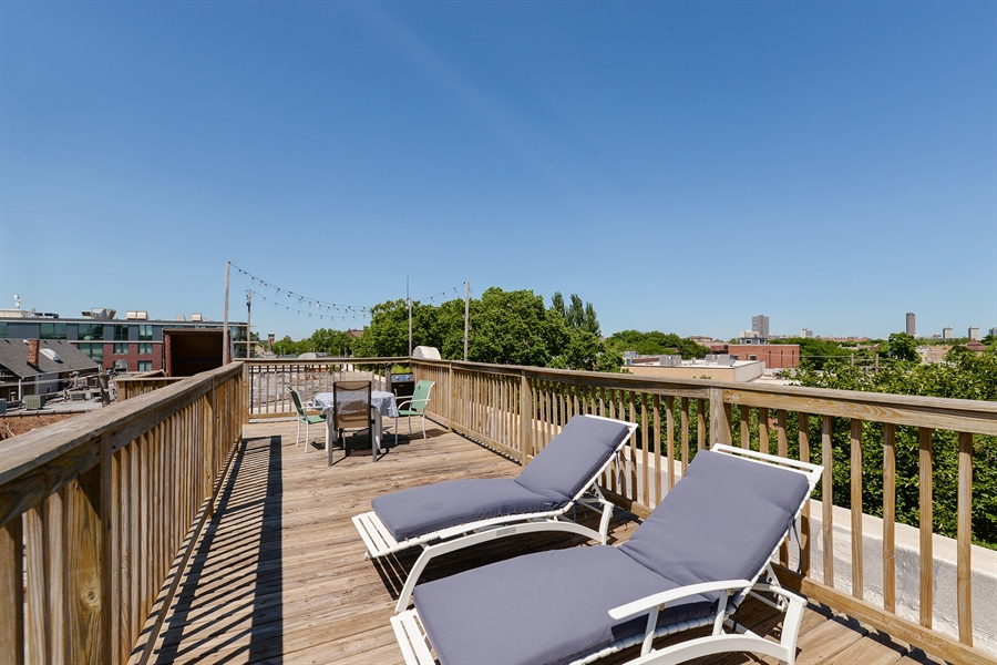 Real Estate Photography - 3340 N. Paulina, 3, Chicago, IL, 60657 - Deck