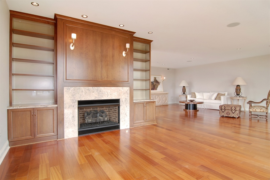 Real Estate Photography - 520 S Washington, Unit Penthouse 03, Naperville, IL, 60540 - Living Room