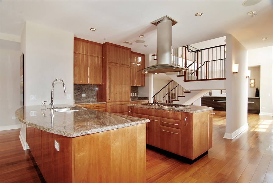 Real Estate Photography - 520 S Washington, Unit Penthouse 03, Naperville, IL, 60540 - Kitchen