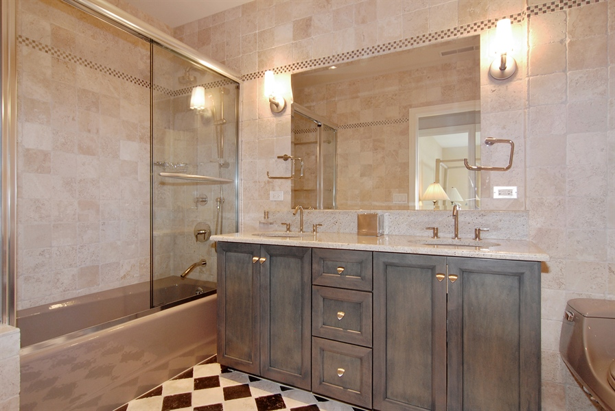 Real Estate Photography - 520 S Washington, Unit Penthouse 03, Naperville, IL, 60540 - 2nd Bathroom