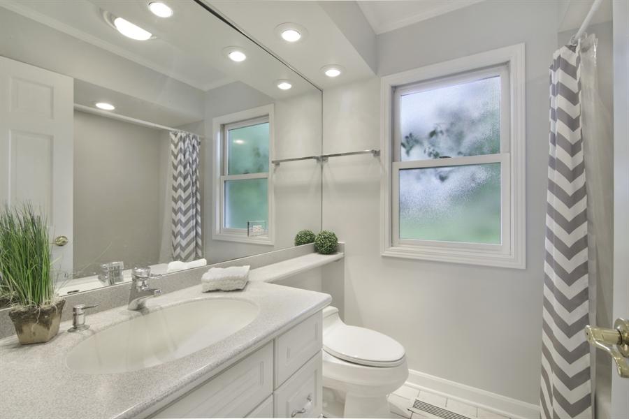 Real Estate Photography - 1060 Cedar, Northbrook, IL, 60062 - Bathroom