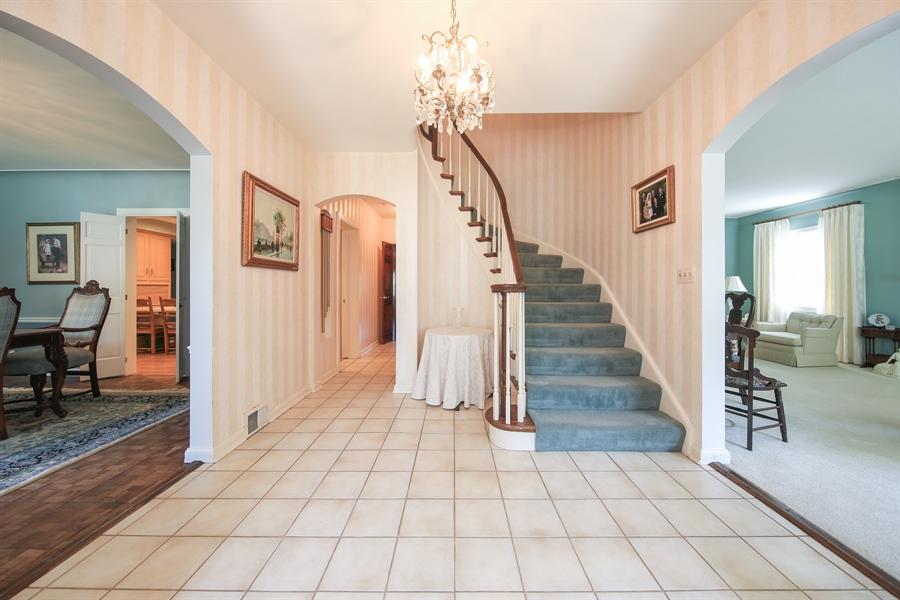 Real Estate Photography - 511 N. Dover, La Grange Park, IL, 60526 - Foyer