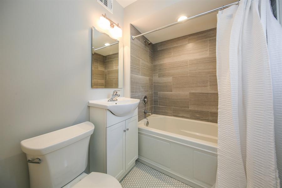 Real Estate Photography - 511 N. Dover, La Grange Park, IL, 60526 - Bathroom