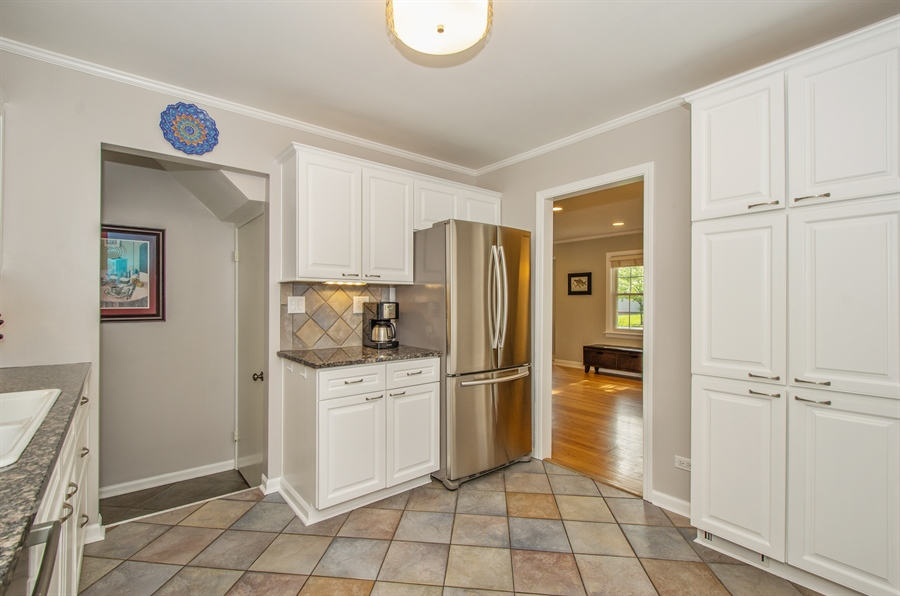 Real Estate Photography - 1207 Raleigh, Glenview, IL, 60025 - Kitchen