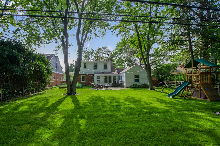 Real Estate Photography - 1207 Raleigh, Glenview, IL, 60025 - Back Yard