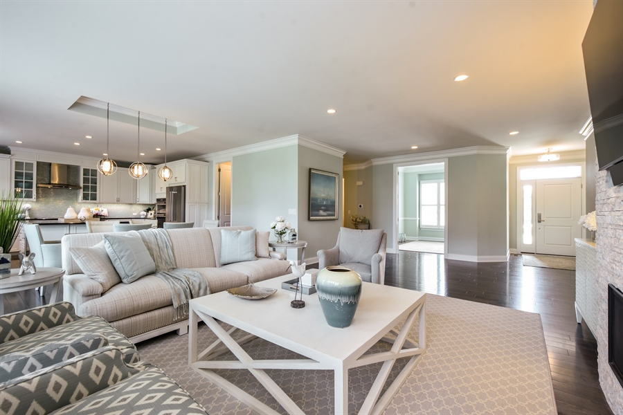 Real Estate Photography - 6 Arches Ct., South Barrington, IL, 60010 - Living Room