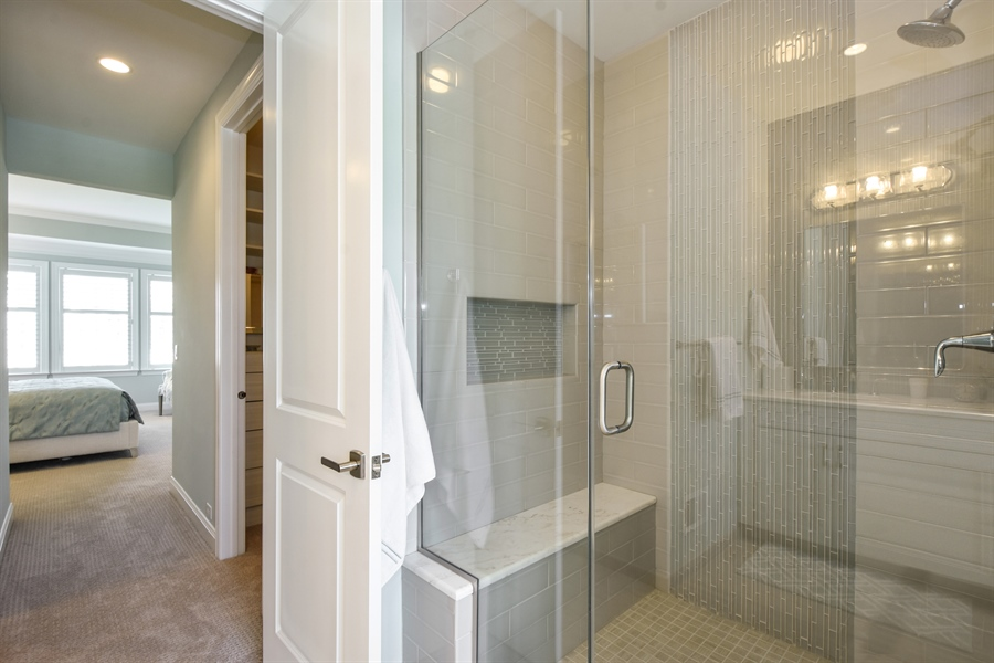Real Estate Photography - 6 Arches Ct., South Barrington, IL, 60010 - Master Bathroom