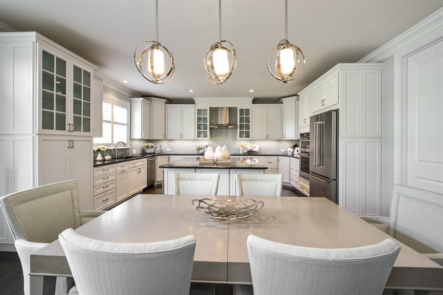 Real Estate Photography - 6 Arches Ct., South Barrington, IL, 60010 - Kitchen