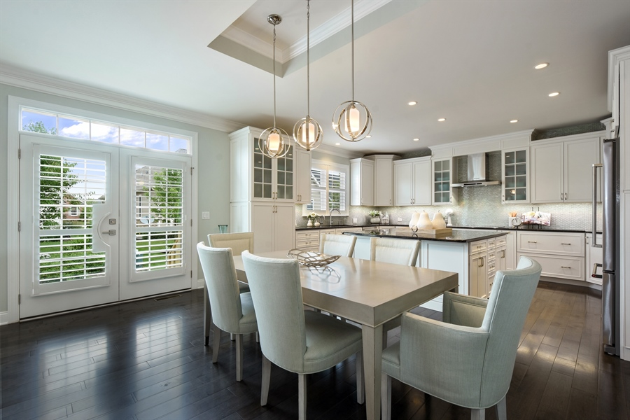 Real Estate Photography - 6 Arches Ct., South Barrington, IL, 60010 - Kitchen / Breakfast Room
