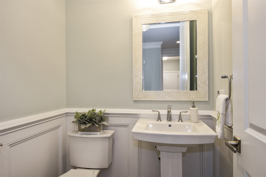 Real Estate Photography - 6 Arches Ct., South Barrington, IL, 60010 - Powder Room