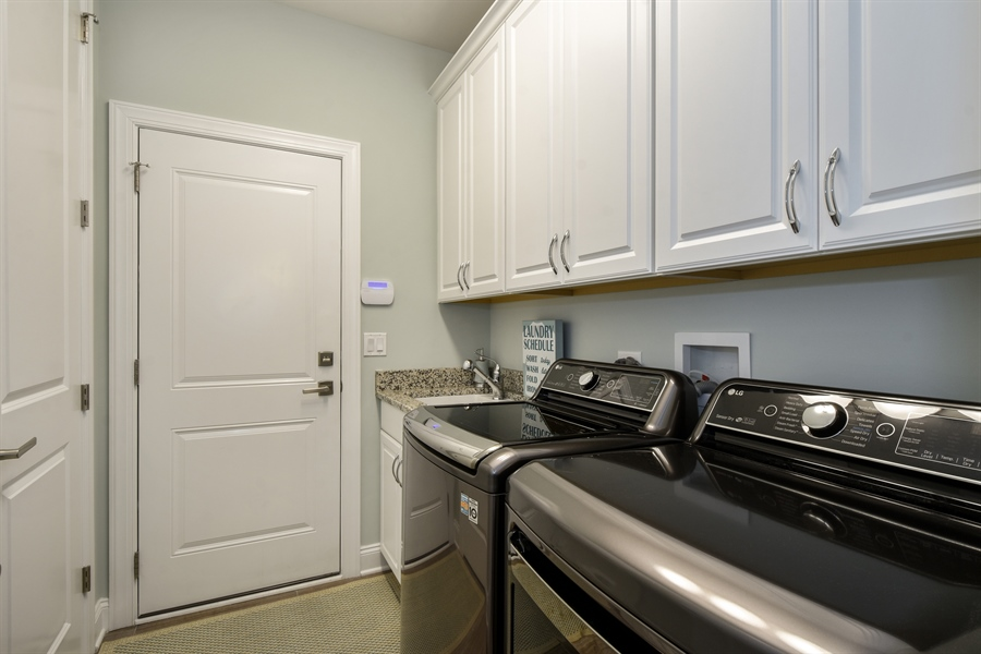 Real Estate Photography - 6 Arches Ct., South Barrington, IL, 60010 - Laundry Room