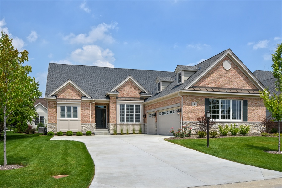 Real Estate Photography - 6 Arches Ct., South Barrington, IL, 60010 - Front View