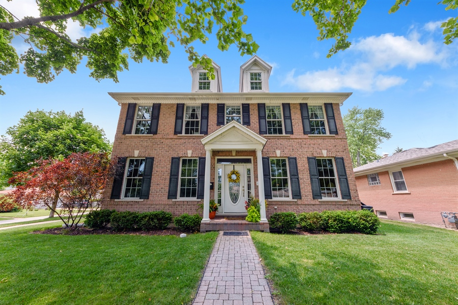 Real Estate Photography - 1202 N Mitchell, Arlington Heights, IL, 60004 - Front View