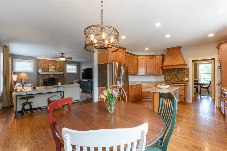 Real Estate Photography - 1202 N Mitchell, Arlington Heights, IL, 60004 - Family Room / Kitchen