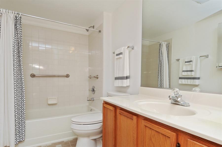 Real Estate Photography - 2603 Cedar Glade Drive, 103, Naperville, IL, 60540 - Master Bathroom