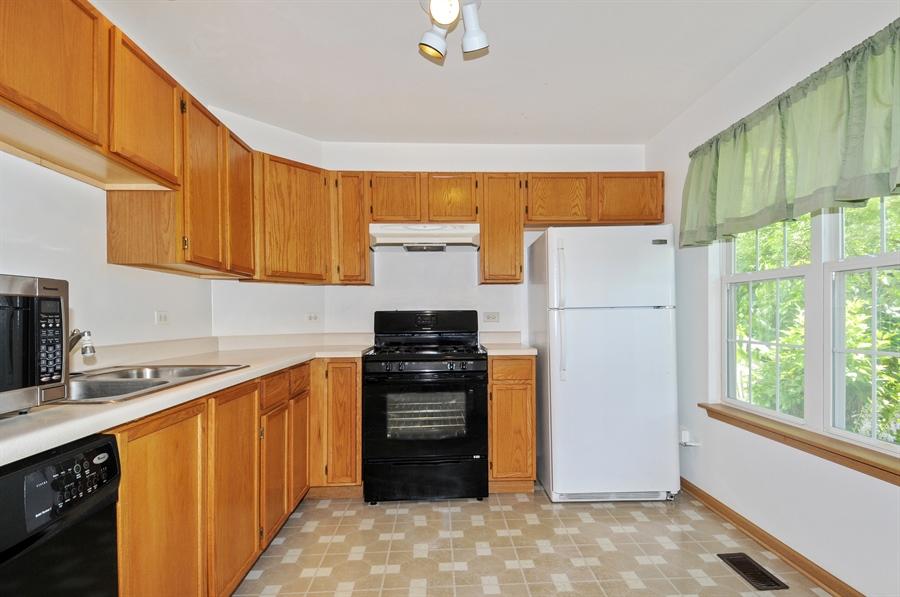 Real Estate Photography - 2603 Cedar Glade Drive, 103, Naperville, IL, 60540 - Kitchen