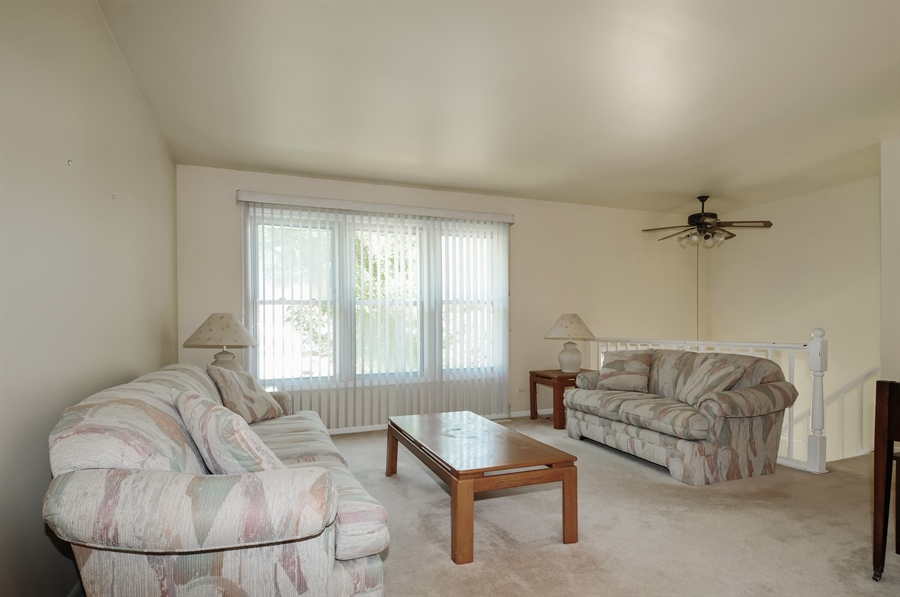 Real Estate Photography - 649 Cochise, Bolingbrook, IL, 60440 - Living Room