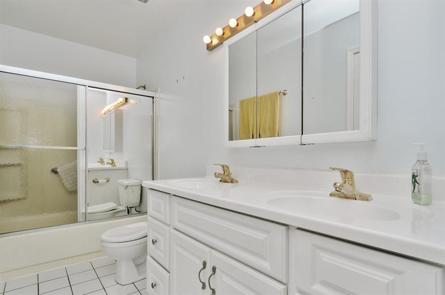 Real Estate Photography - 649 Cochise, Bolingbrook, IL, 60440 - Bathroom
