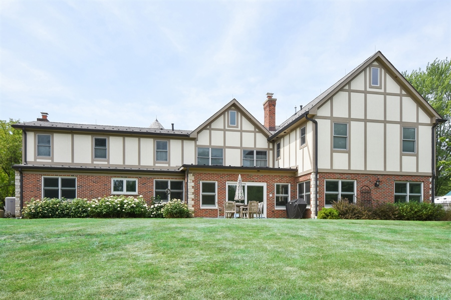 Real Estate Photography - 157K Helm Rd, Barrington Hills, IL, 60010 - Rear View