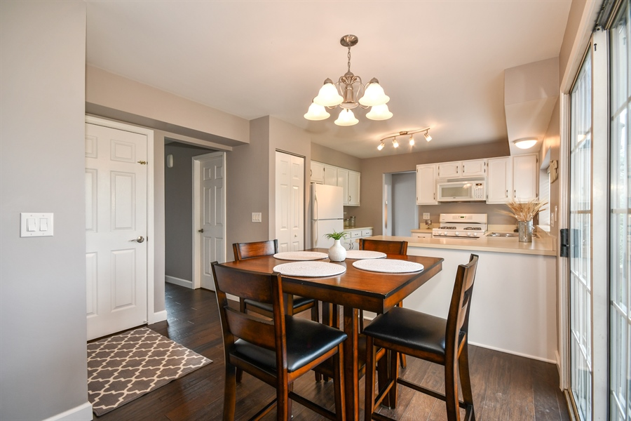 Real Estate Photography - 1113 Country Glen, Carol Stream, IL, 60188 - Breakfast Area