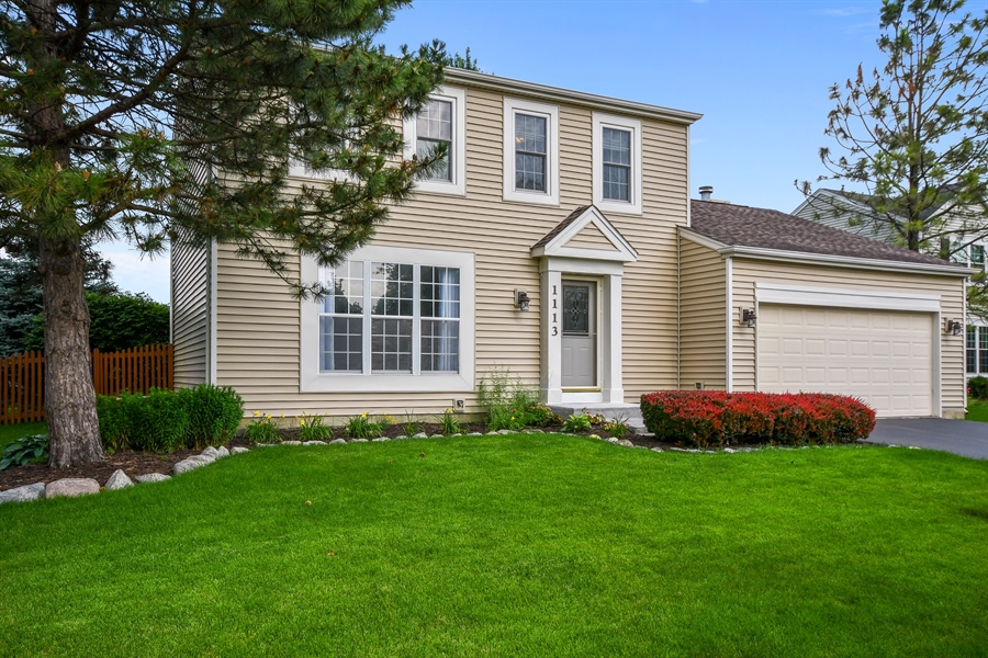 Real Estate Photography - 1113 Country Glen, Carol Stream, IL, 60188 - Front View