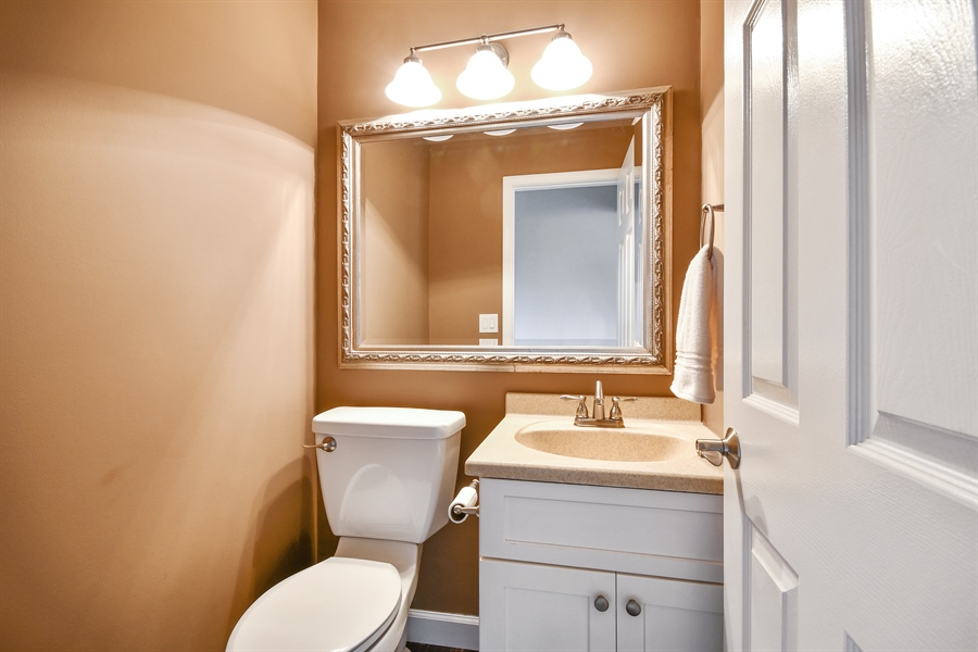 Real Estate Photography - 1113 Country Glen, Carol Stream, IL, 60188 - Half Bath