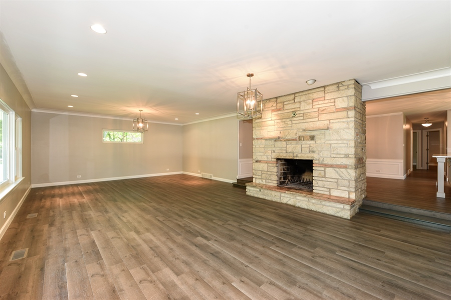 Real Estate Photography - 6344 Pontiac Dr., DR, INDIAN HEAD PARK, IL, 60525 - Living Room