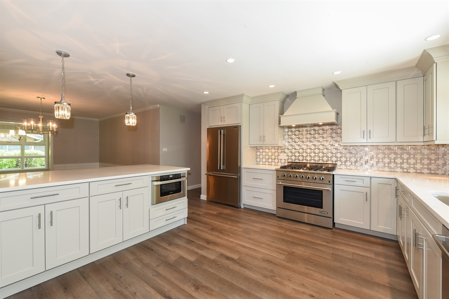 Real Estate Photography - 6344 Pontiac Dr., DR, INDIAN HEAD PARK, IL, 60525 - Kitchen
