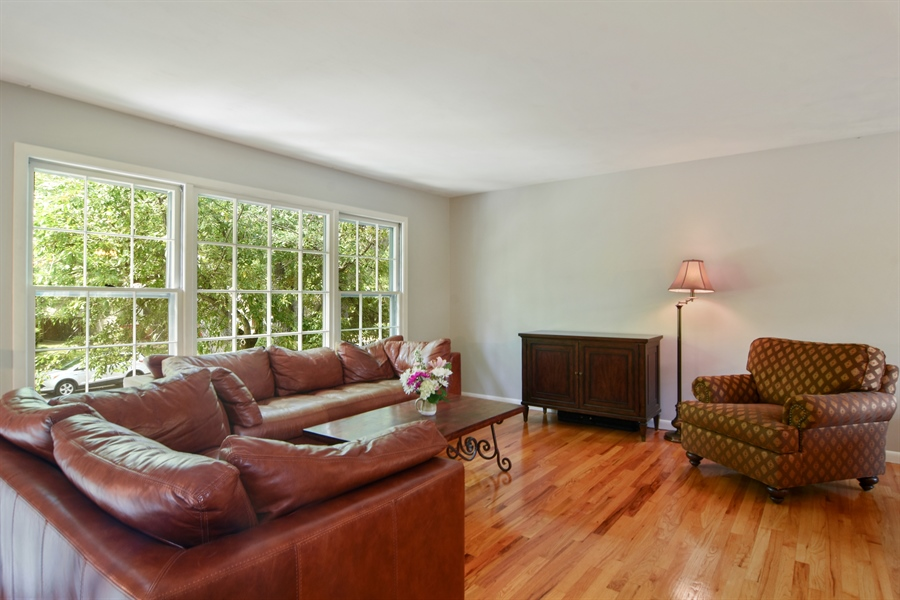 Real Estate Photography - 4458 Hoover, Rolling Meadows, IL, 60008 - Living Room