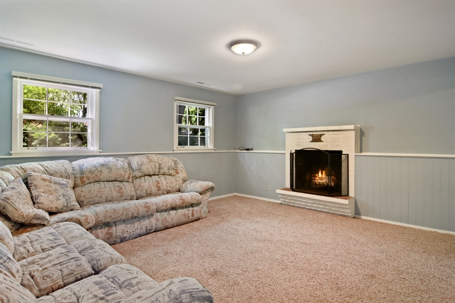 Real Estate Photography - 4458 Hoover, Rolling Meadows, IL, 60008 - Family Room