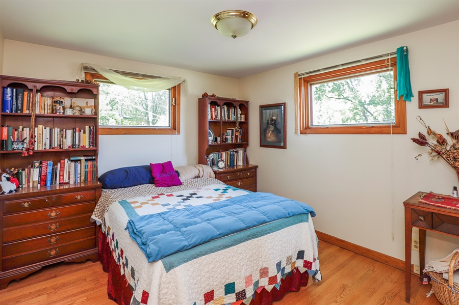 Real Estate Photography - 33296 N. Valley View Dr, GRAYSLAKE, IL, 60030 - Master Bedroom