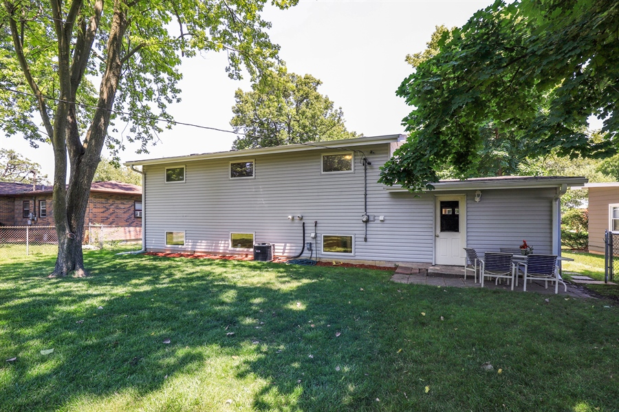 Real Estate Photography - 33296 N. Valley View Dr, GRAYSLAKE, IL, 60030 - Rear View