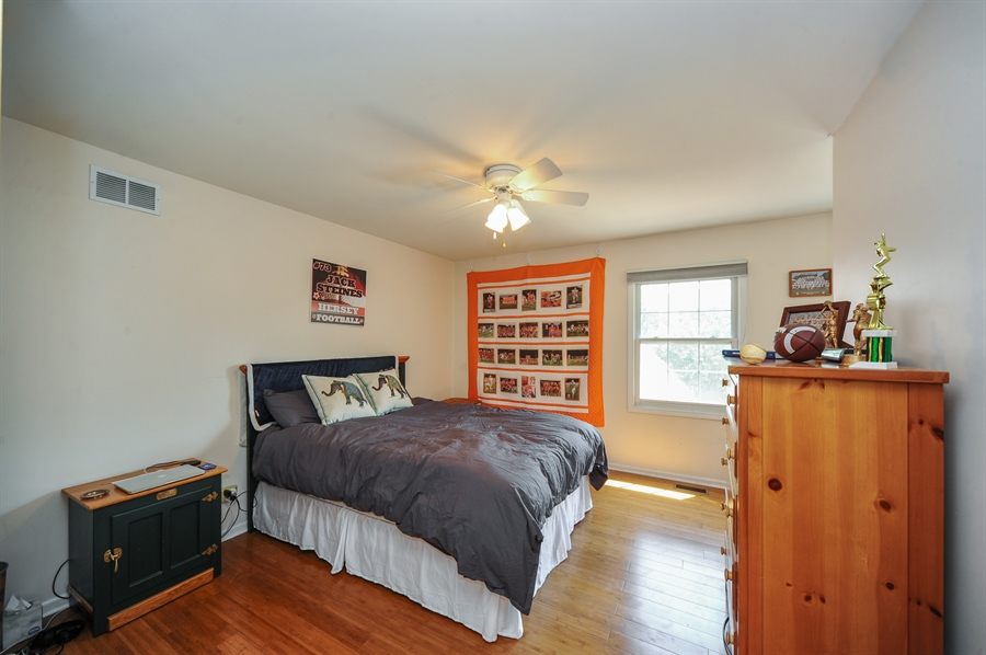 Real Estate Photography - 1448 N. Yale Ave., -, Arlington Hts, IL, 60004 - 3rd Bedroom