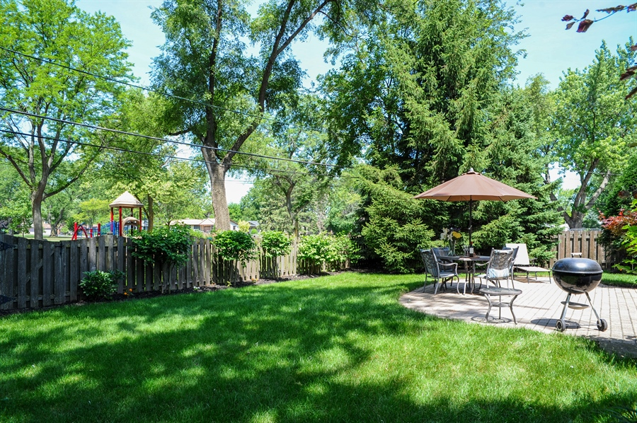 Real Estate Photography - 1448 N. Yale Ave., -, Arlington Hts, IL, 60004 - Back Yard