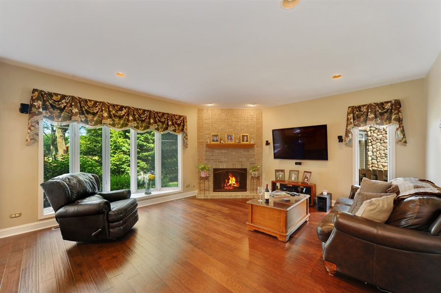 Real Estate Photography - 1448 N. Yale Ave., -, Arlington Hts, IL, 60004 - Family Room