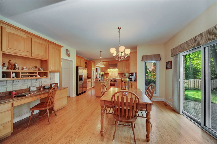 Real Estate Photography - 1448 N. Yale Ave., -, Arlington Hts, IL, 60004 - Kitchen