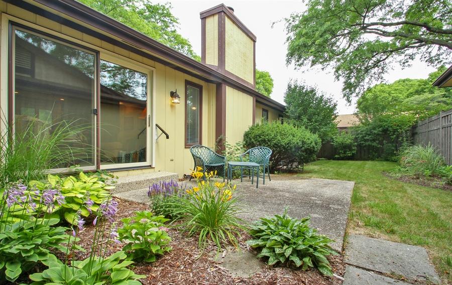 Real Estate Photography - 1403 Estate Lane, Glenview, IL, 60025 - Back Yard